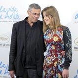 Abdellatif Kechiche y Adèle Exarchopoulos en la presentación de 'La vida de Adèle' en Madrid