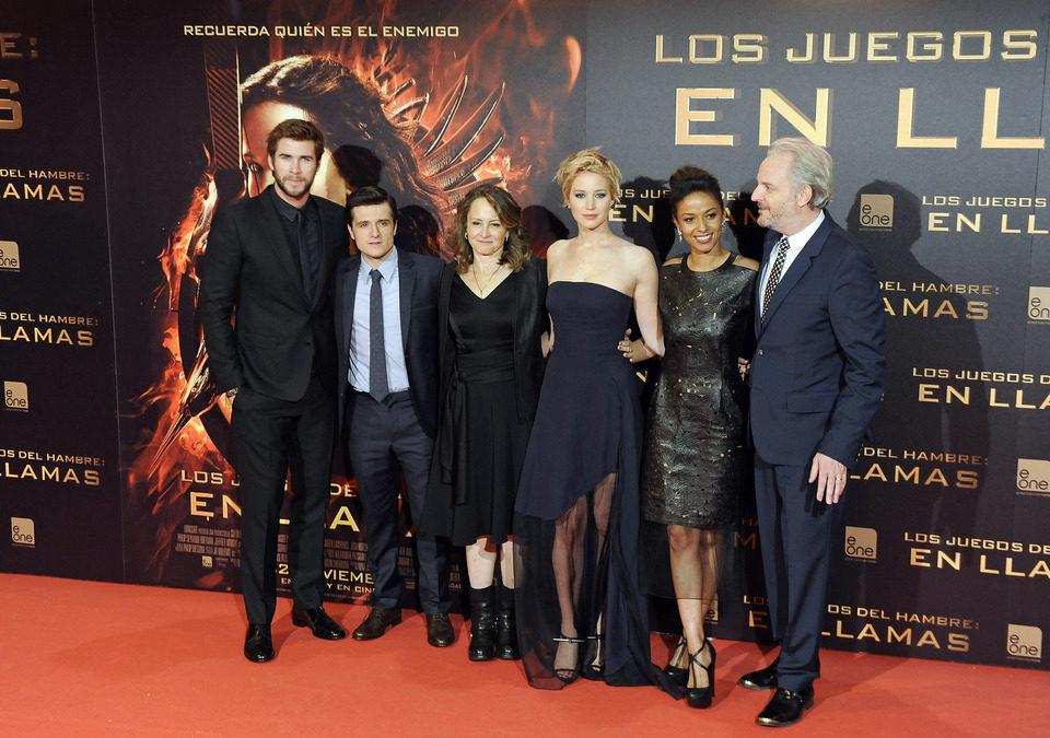 El equipo de 'Los Juegos del Hambre: En llamas' en la premiere en Madrid