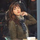 Dakota Johnson en el rodaje de 'Cincuenta sombras de Grey' en Vancouver
