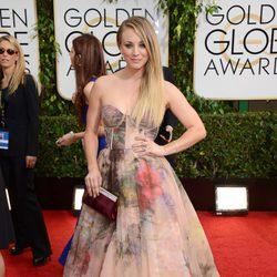 Kaley Cuoco en los Globos de Oro 2014