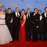 El equipo de 'La gran estafa americana', mejor película de comedia en los Globos de Oro 2014