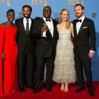 El equipo de '12 años de esclavitud', mejor película dramática en los Globos de Oro 2014