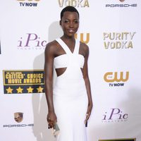 Lupita Nyong'o a su llegada a la gala de los Critics' Choice Movie Awards 2014