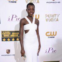 Lupita Nyong'o a su llegada a la gala de los Critics' Choice Movie Awards 2014