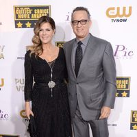 Tom Hanks y Rita Wilson a su llegada a la gala de los Critics' Choice Movie Awards 2014