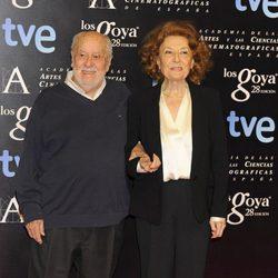 Jaime de Armiñán y Julia Gutiérrez Caba en la alfombra roja de la fiesta de los nominados a los premios Goya 2014