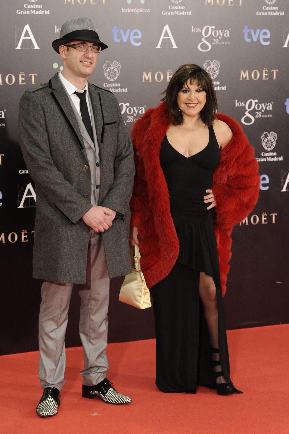 Loles León en la alfombra roja de los Goya 2014
