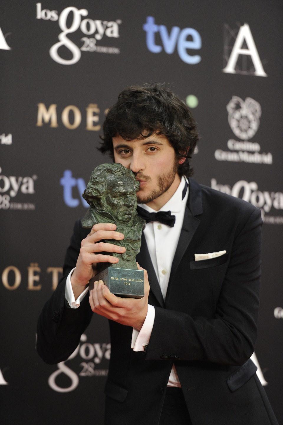 Javier Pereira posa con su Goya al mejor actor revelación