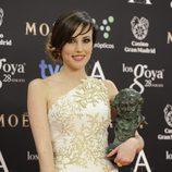 Natalia de Molina posa con su Goya a la mejor actriz revelación