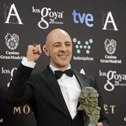 Roberto Álamo posa con su Goya al mejor actor secundario
