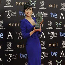 Marian Álvarez posa con su Goya a la mejor actriz protagonista