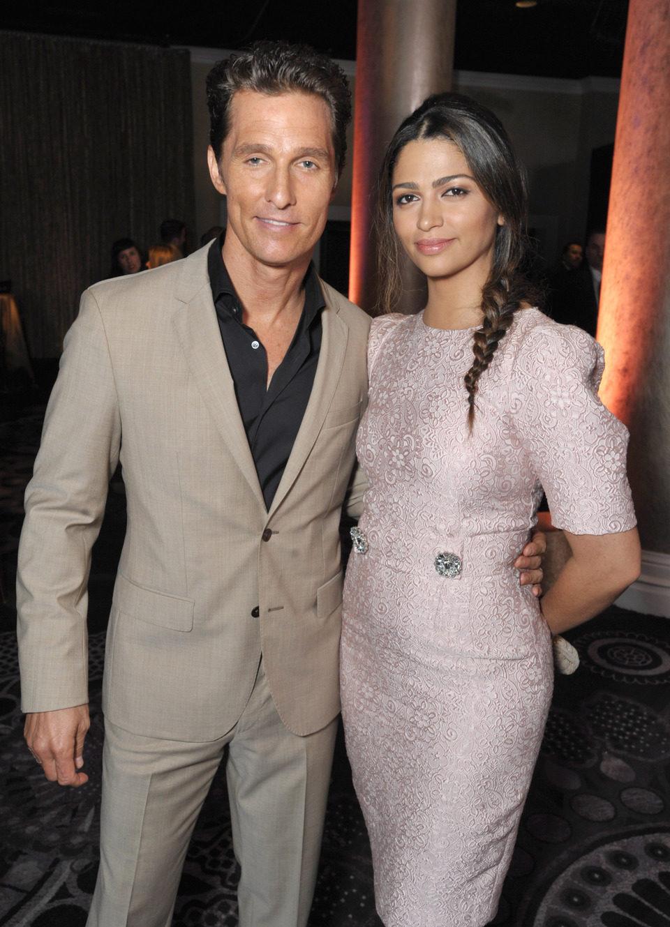 Matthew McConaughey y Camila Alves en el almuerzo de los nominados a los Premios Oscar 2014