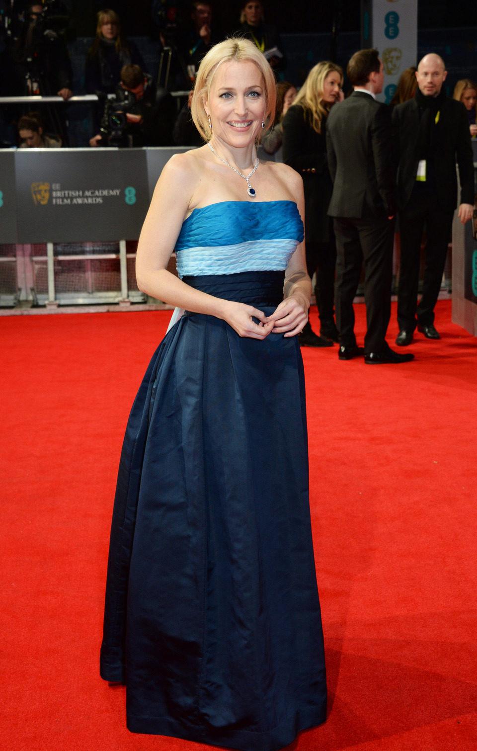 Gillian Anderson en la alfombra roja de los BAFTA 2014