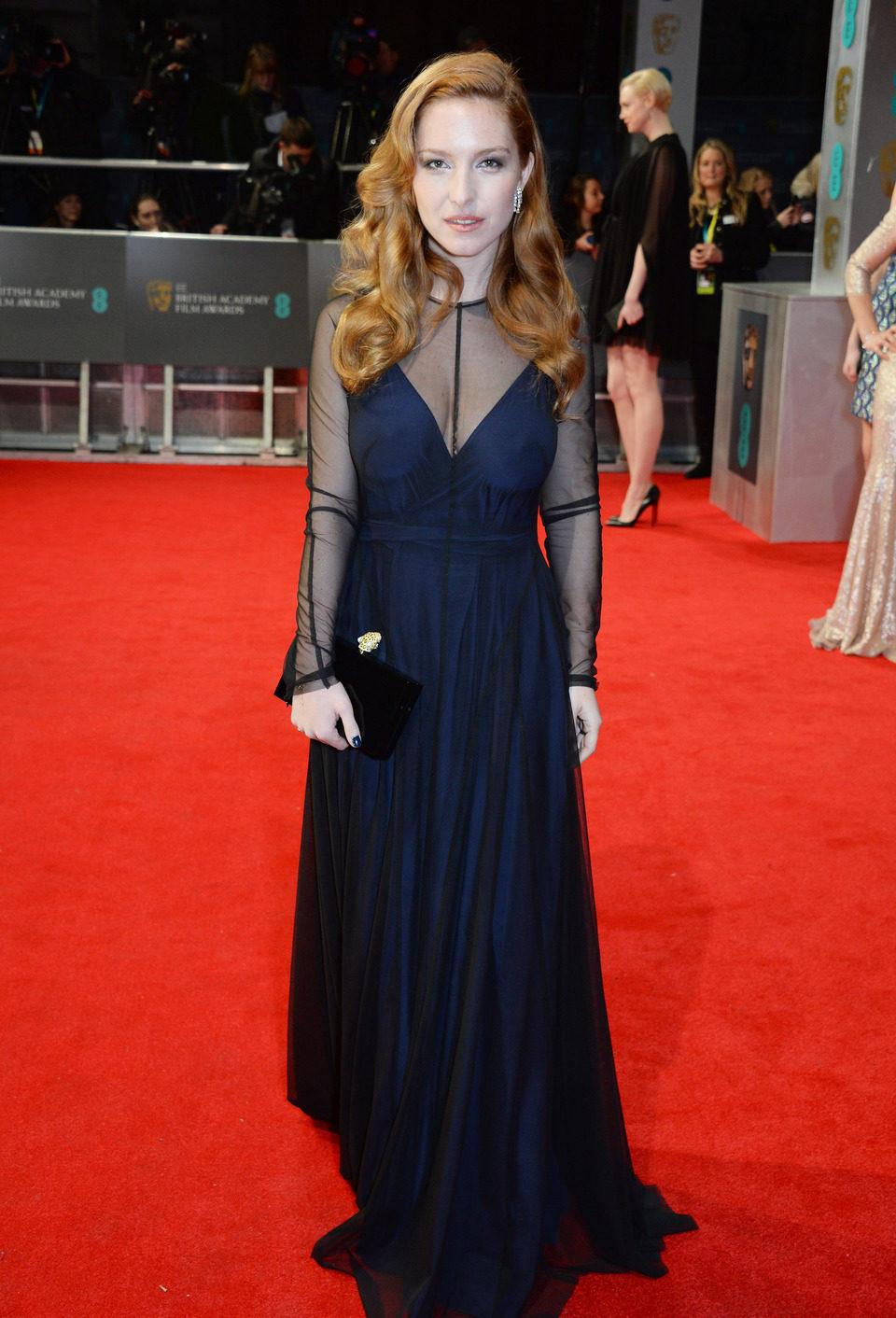 Josephine de la Baume la alfombra roja de los BAFTA 2014
