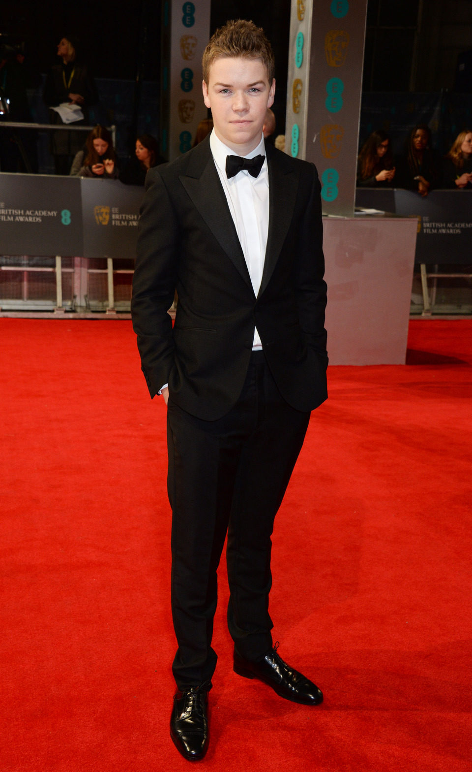 Will Poulter en la alfombra roja de los BAFTA 2014