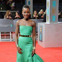Lupita Nyong'o en la alfombra roja de los BAFTA 2014