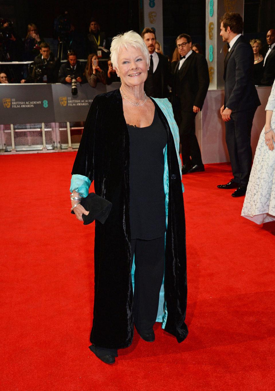 Judi Dench en la alfombra roja de los BAFTA 2014