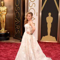Tara Lipinski en la alfombra roja de los premios Oscar 2014