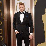 Kellan Lutz en la alfombra roja de los Oscar 2014