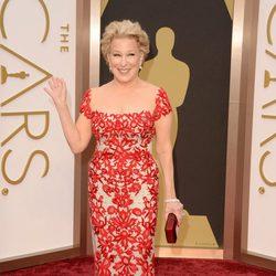 Bette Midler en la alfombra roja de los Oscar 2014