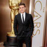 Zac Efron en la alfombra roja de los Oscar 2014
