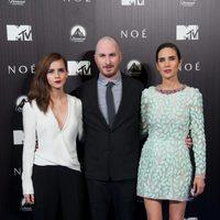 Emma Watson, Darren Aronofsky y Jennifer Connelly en la premiere de 'Noé' en Madrid