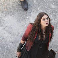 Elizabeth Olsen como Bruja Escarlata en el rodaje de 'Los Vengadores: La era de Ultron'