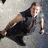 Jeremy Renner como Ojo de Halcón en el rodaje de 'Los Vengadores: La era de Ultron'