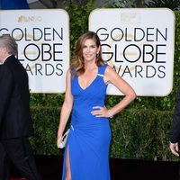 Cindy Crawford at the Golden Globes 2015 red carpet