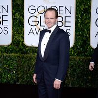 Ralph Fiennes at the Golden Globes 2015 red carpet