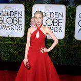 Taylor Schilling en la alfombra roja de los Globos de Oro 2015