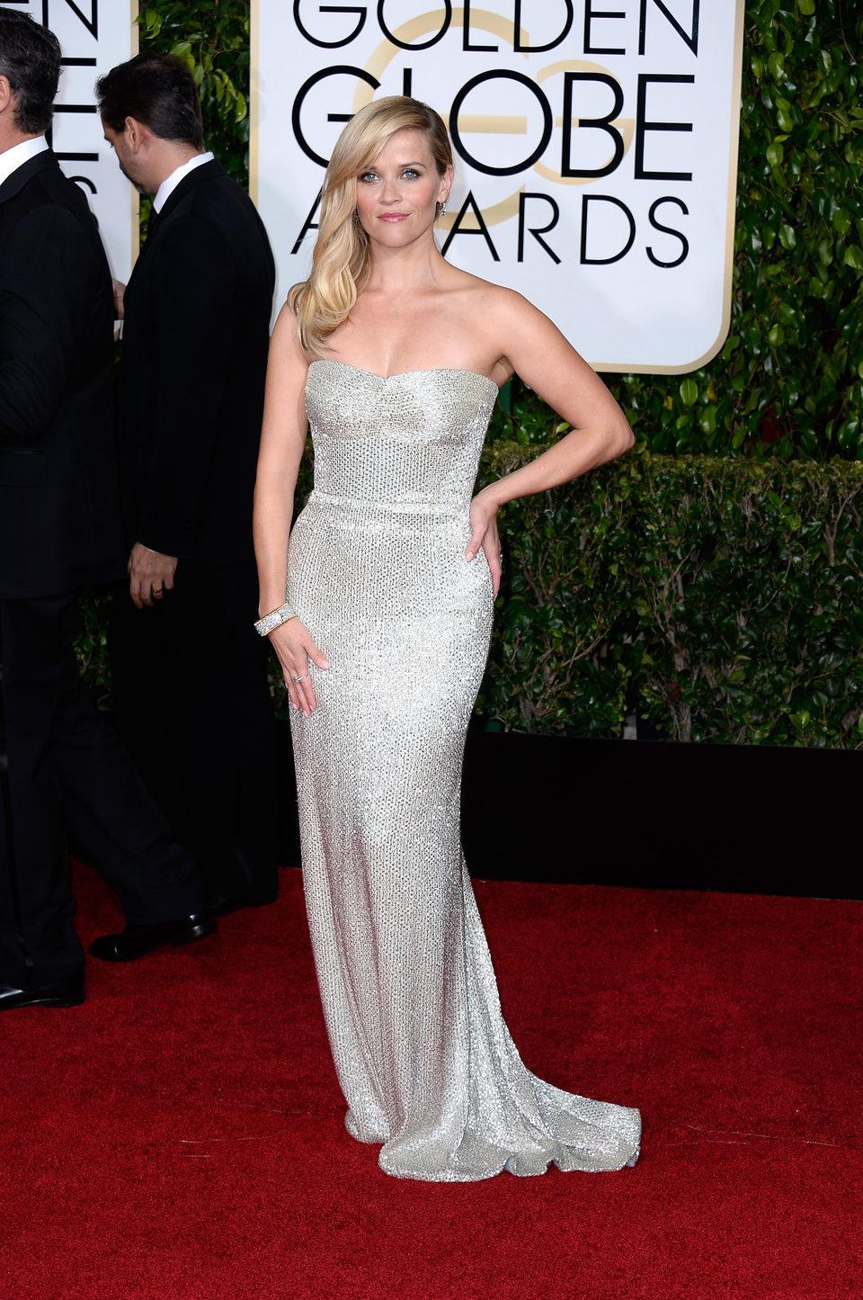 Reese Witherspoon en la alfombra roja de los Globos de Oro 2015