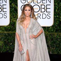 Jennifer Lopez en la alfombra roja de los Globos de Oro 2015