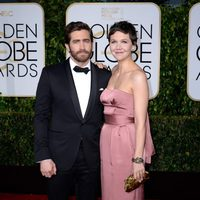 Jake Gyllenhaal and Maggie Gyllenhaal at the Golden Globes 2015 red carpet