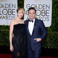 Mark Ruffalo and Sunrise Coigney at the Golden Globes 2015 red carpet