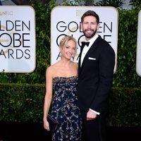 Joanne Froggatt and James Cannon at the Golden Globes 2015 red carpet