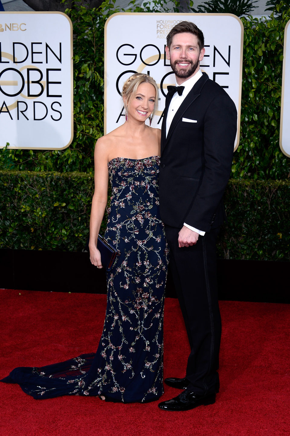 Joanne Froggatt y James Cannon en la alfombra roja de los Globos de Oro 2015