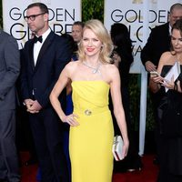 Naomi Watts at the Golden Globes 2015 red carpet
