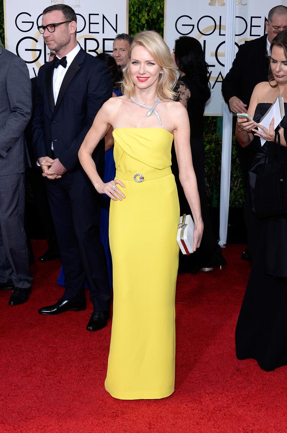 Naomi Watts en la alfombra roja de los Globos de Oro 2015
