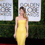Leslie Mann en la alfombra roja de los Globos de Oro 2015