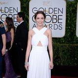 Emily Blunt en la alfombra roja de los Globos de Oro 2015