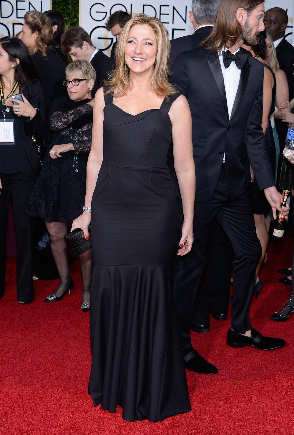Edie Falco en la alfombra roja de los Globos de Oro 2015