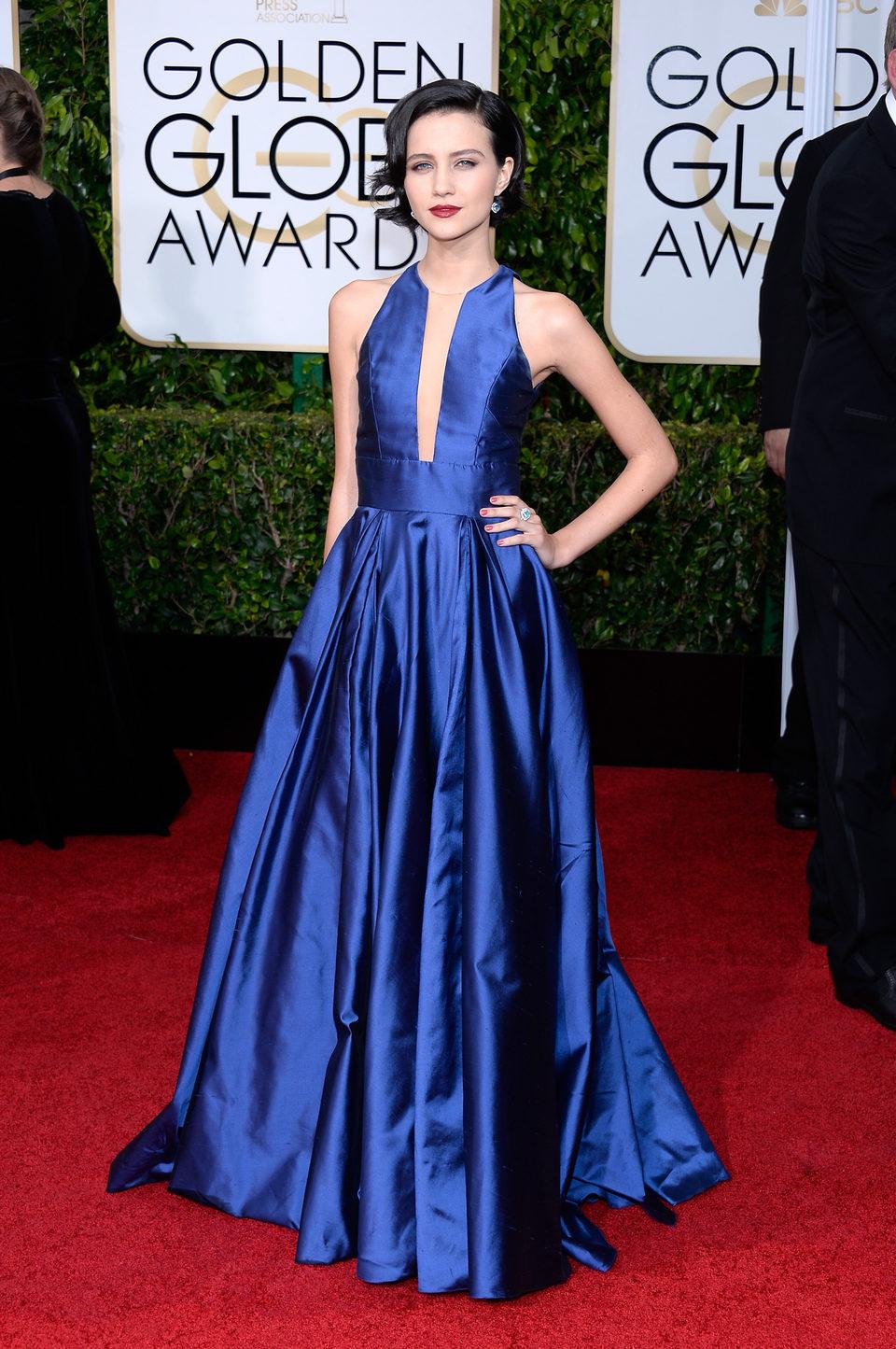 Julia Goldani Telles en la alfombra roja de los Globos de Oro 2015