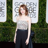 Emma Stone at the Golden Globes 2015 red carpet