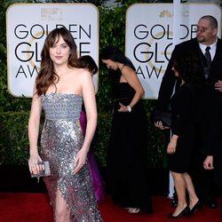 Dakota Johnson en la alfombra roja de los Globos de Oro 2015