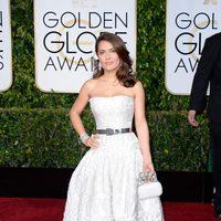 Salma Hayek en la alfombra roja de los Globos de Oro 2015