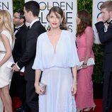 Amanda Peet en la alfombra roja de los Globos de Oro 2015