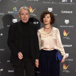 José Sacristán y su mujer en los Premios Feroz 2015