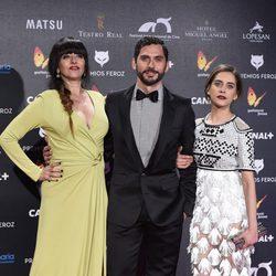 Yolanda Ramos, María León y Paco León en los Premios Feroz 2015