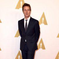 Edward Norton en el almuerzo de los nominados a los Oscar 2015
